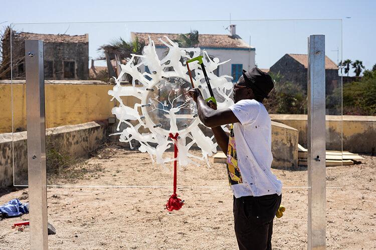 Le cercle des hommes libres, 2018. Oeuvre produite dans le cadre de l'exposition collective Le Off de Dapper.