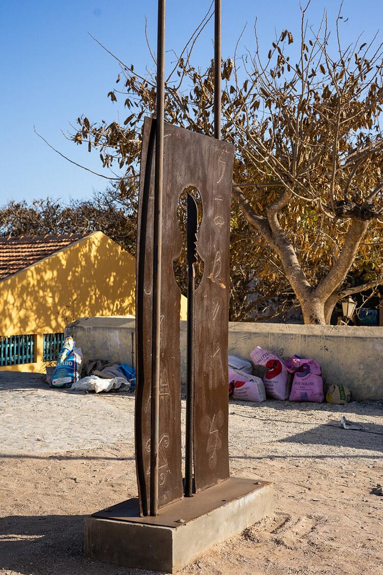Ici et maintenant, 2018 FerŒuvre produite dans le cadre de l'exposition collective Le Off de Dapper © Archives Fondation Dapper - Photo Aurélie Leveau.